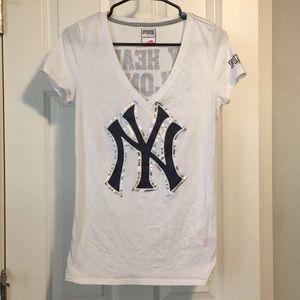 VS My Heart Belongs to the Yankees Tee